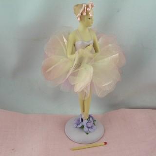 Statuette résine danseuse fleur 18 cm