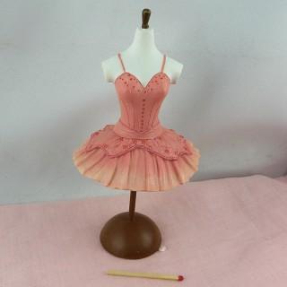 Mannequin couture miniature maison poupée