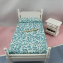 Bed a place and miniature bedside house headstock 10 cm.