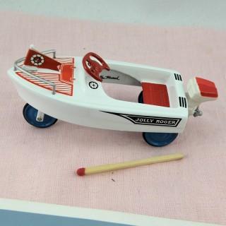 Barco a pedal miniatura casa muñeca