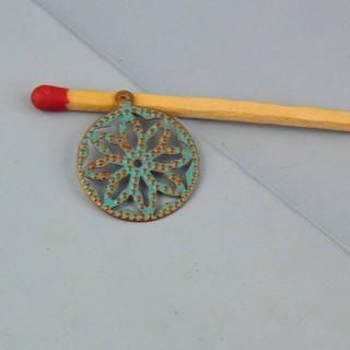 Breloque pendentif en métal ajouré 16 mm