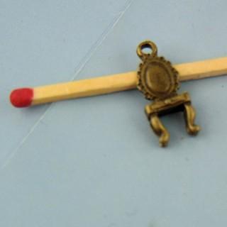 Breloque Chaise miniature vitrine poupée, 2 cm