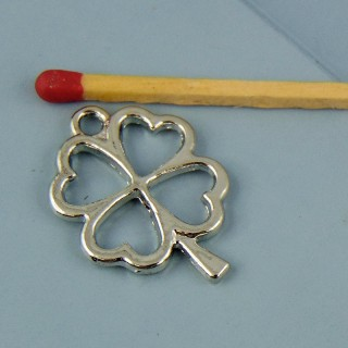 Charm breaks into leaf of clover cut out 25 mm