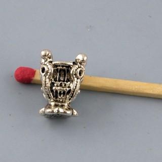 Breloque urne jardinière miniature