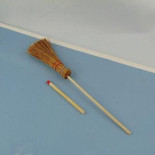 Balai sorcière miniature rond en paille 13 cm