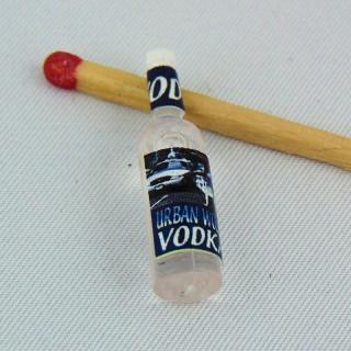 Flasche kleiner Vodka Haus Puppe