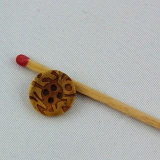 Bouton bois gravé quatre trous 12 mm.