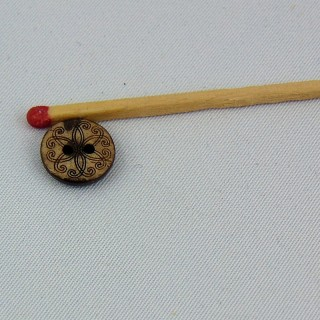 Bouton bois coco gravé fleur ethnique 2 trous 1 cm.