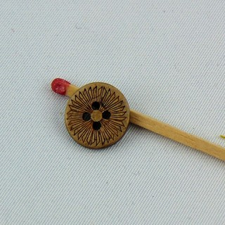 Button coconut engraved ethnic flower 4 holes 13 mm.