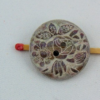 Mother of shell button engraved ethnic flower 2 holes 24 mm