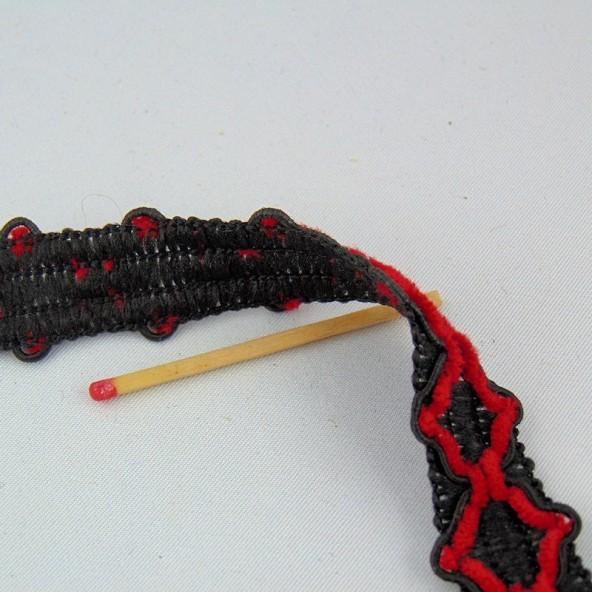 Galon rouge et noir brodé 20 mm vendu au mètre