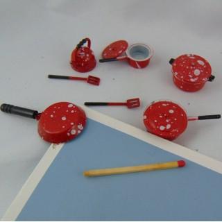 Ustensiles cuisine miniatures maison poupée