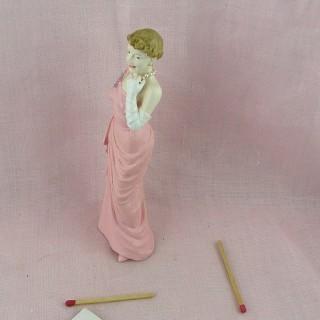 Statuette jeune femme