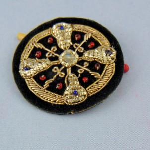 Ecusson ethnique brodé or badge 6 cm.