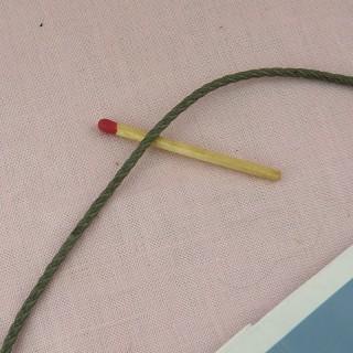 Fil torsade, galon rond, cordelette, lacet noir 1,8mm.