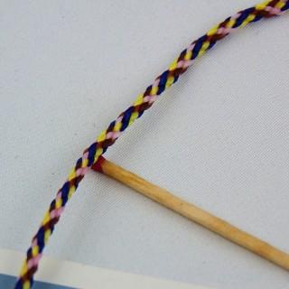 Fil multicolore torsade galon rond 3 mm.