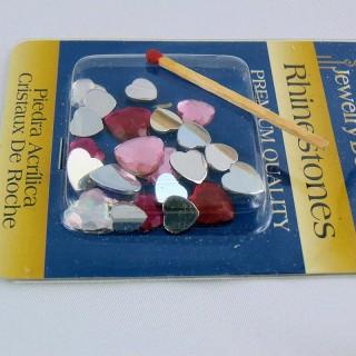 Coeur strass, plastique, bord fond couleur, 1,5 cm.