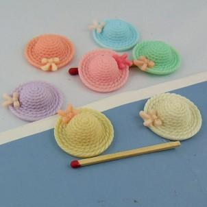 Alto sombrero forma plástica minúscula 2 cm.