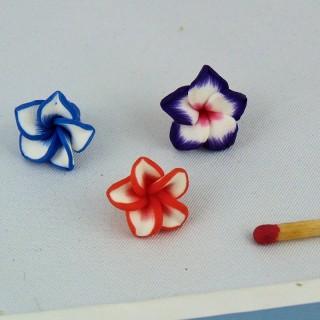 Perle Fleur à pétales en plastique 15 mm.