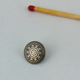 Silver metal button engraved flower foot 13 mm.