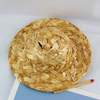 Chapeau paille à rebord diamètre 10 cm.