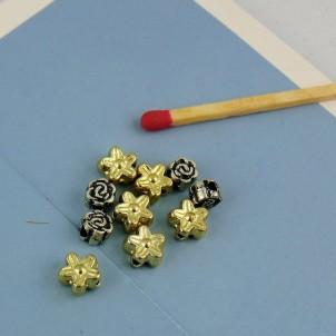 10 plastic hearts beads 6 mm.