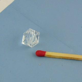Facettenreiche Kunststoffperle 9 mm.