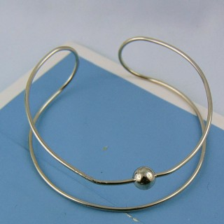 Wire cuff bracelet form for beads