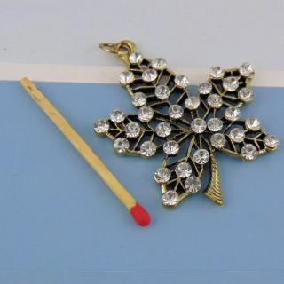 Pendentif feuille en métal doré et strass 5 cm