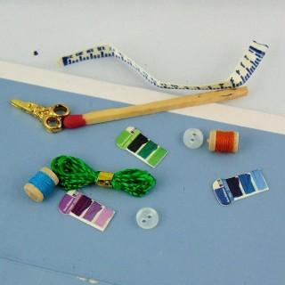 Accessoires couture miniature maison de poupée