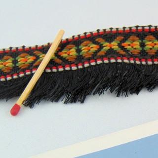Galon ethnique brodé avec une frange  4 cm