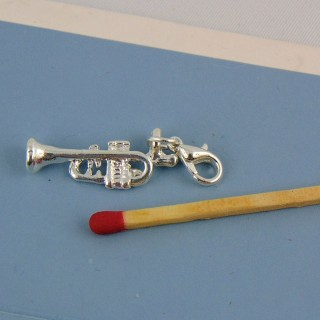 Trumpet charm with lobster claw 2 cm