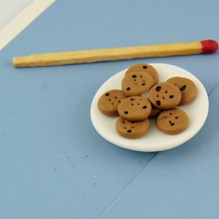 Chocolate chip cookies plate doll miniature, 2,7 cms.