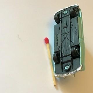 Coche en miniatura Buick viejo juguete