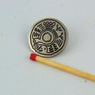 Pie de flor grabado con botón de metal plateado 13 mm.