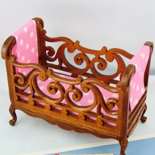 Miniature children's bed doll house 11 cm.