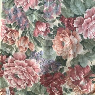 Coupon coton à grosses fleurs