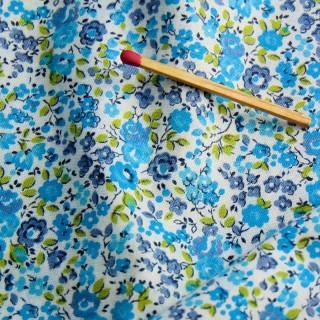 Cupón algodón flores pequeñas 40x60cm
