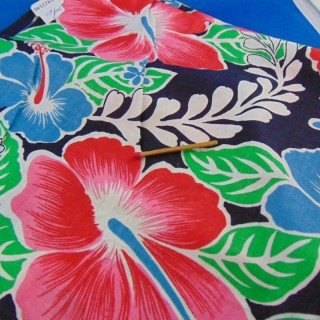 Tissu coton de Tahiti à fleurs 70x60cm