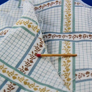 Fine cotton fabric with tiles per metre