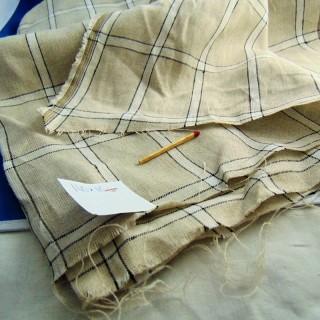 Coupon de lin fin à carreaux 140 cm x 110 cm