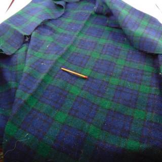 Coupon tissu en laine écossais à carreaux 70x65cm