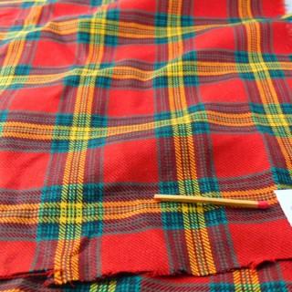 Coupon en laine écossais à carreaux