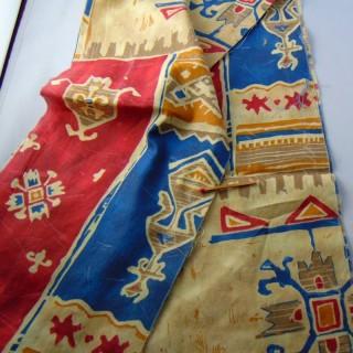 Crumpled synthetic fabric strip 20 cm x 180 cm