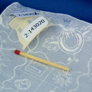 Petite nappe ancienne en lin brodé main 54 x 88 cm