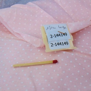 Tejido de algodón claro con lunares de fondo rosa por 50 centímetros en 150 cm