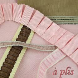 Pleated bidding, ruffled,ribbon.
