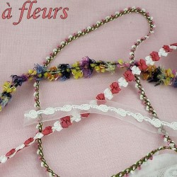 Fleuri, à fleurs