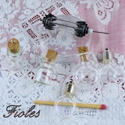 Phiolen, minis Flaschen in Glas.